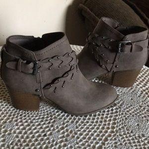 Indigo Rd. Women's sz 5.5 ankle boots euc
